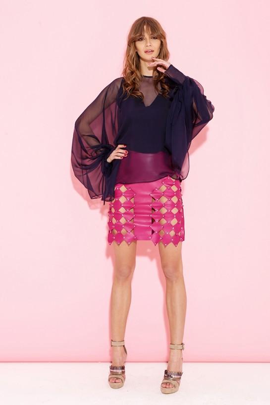 Różowa skórzana spódnica z rombami
