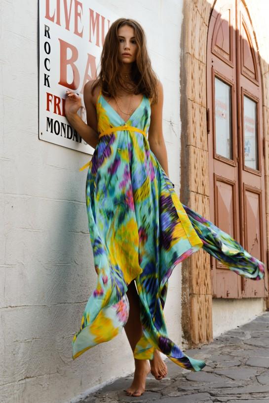 Kolorowa sukienka jedwabna z tasiemką