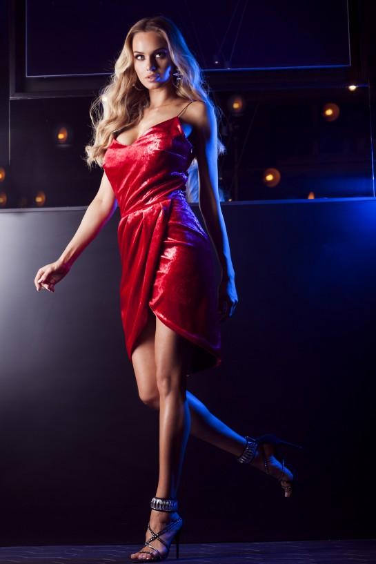 Sukienka czerwona z weluru