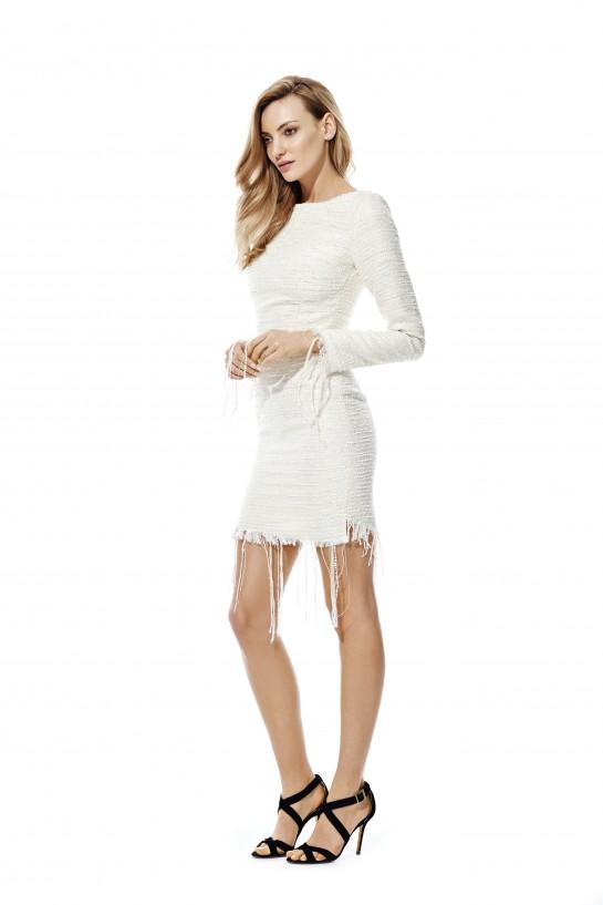 Sukienka z frędzlami z długimi rękawkami