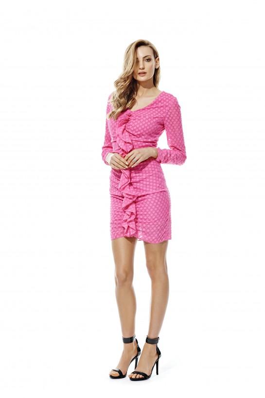 Sukienka w różowe grochy
