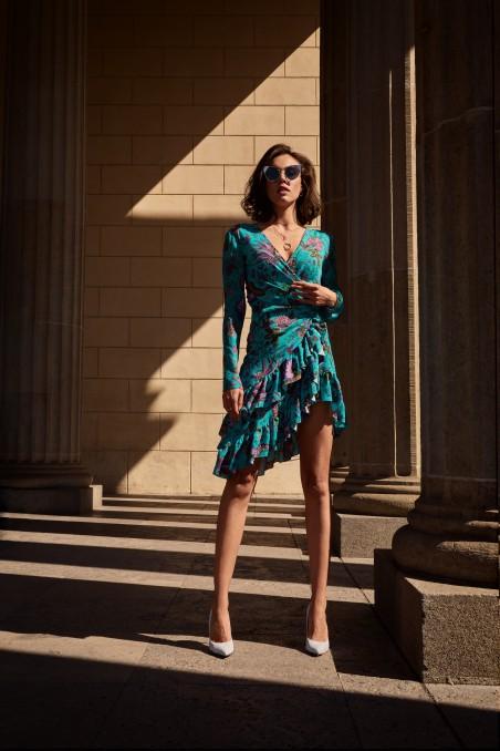 Sukienka z fantazyjnym tyłem