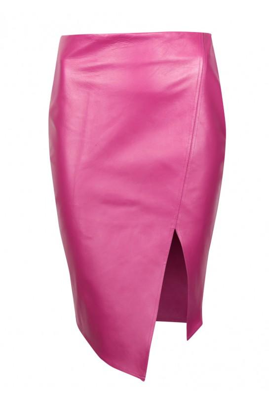Różowa skórzana spódnica