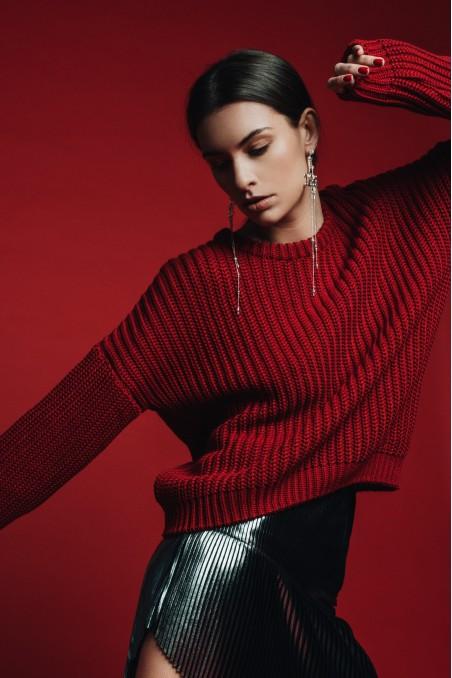Sweter z grubym splotem
