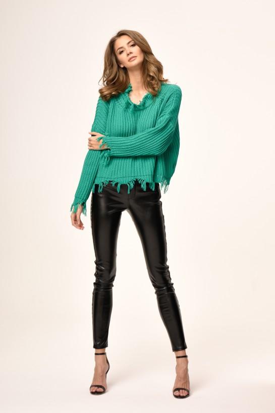 Sweter dzianinowy w kolorze beżowym